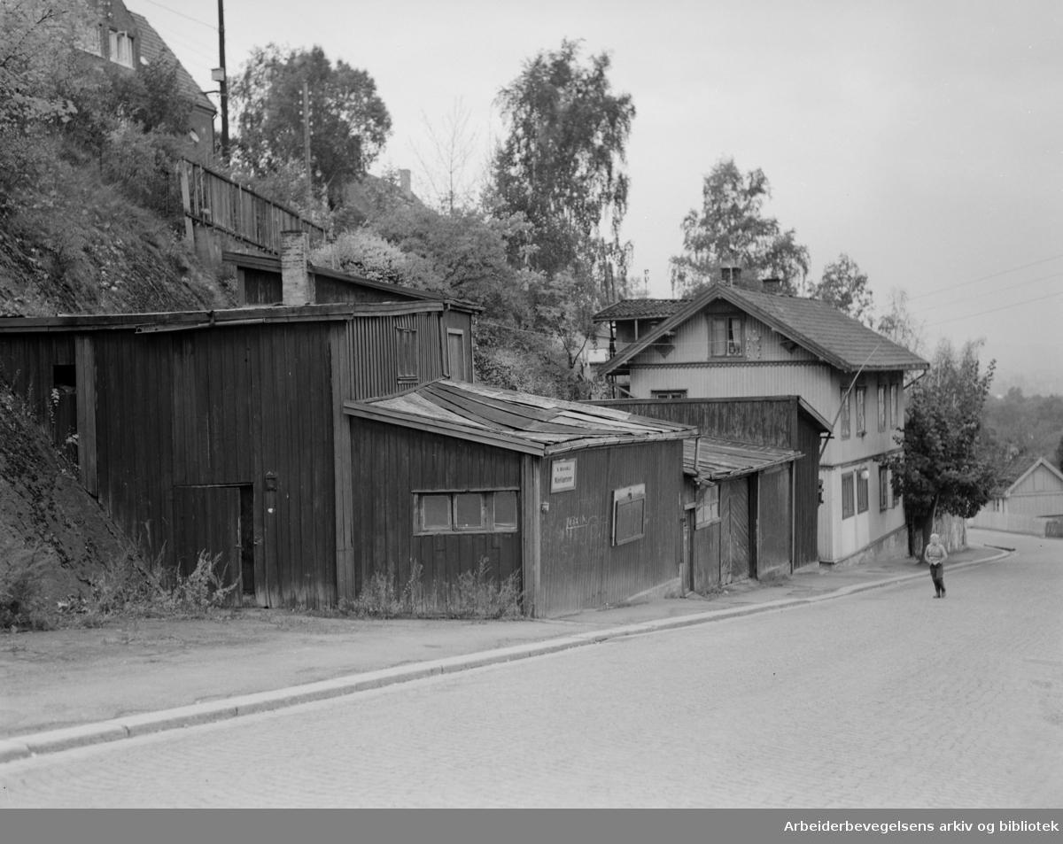 Ryenbergveien. Ulovlig skurbebyggelse. Oktober 1954