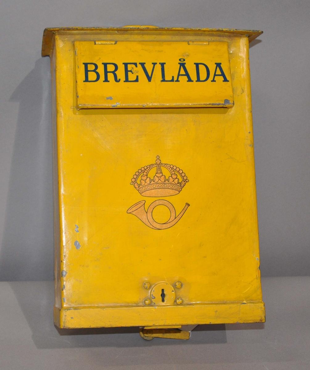 Tømmepostkasse av svensk opprinnelse.