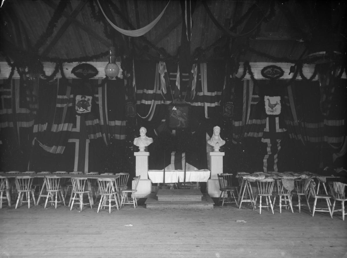 Otta stasjon, fest ved åpningen av jernbanen på Otta, pyntet festsal