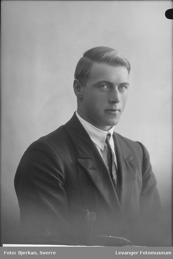 Portrett av Olav Åbakken