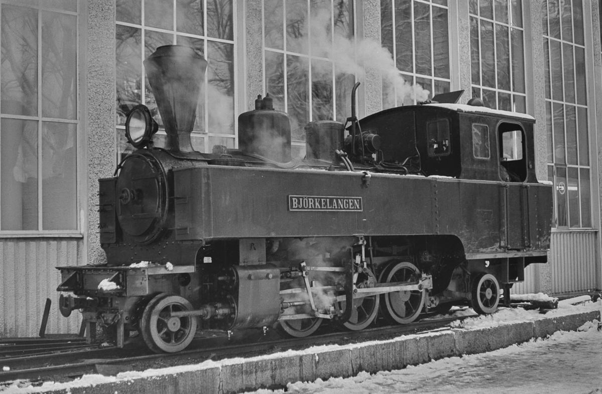 Urskog-Hølandsbanens lokomotiv nr. 5 Bjørkelangen ved Norges Tekniske Høyskole i Trondheim.