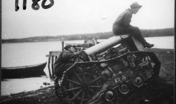 Svedalatraktor (ombyggd Fordson?).