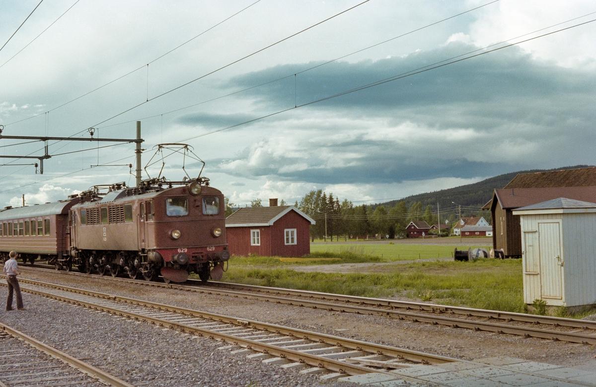 Ekspresstog til Stockholm.