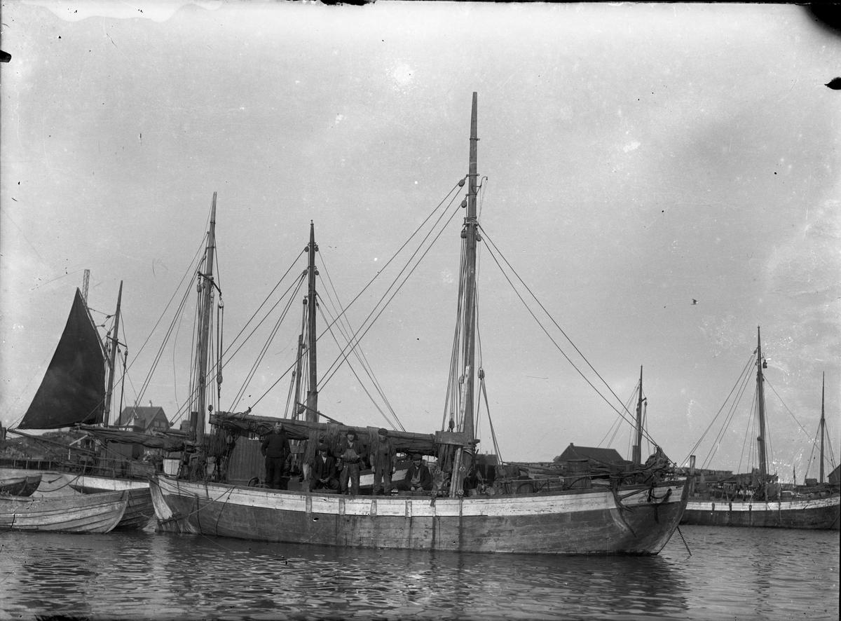 Fiskeskøyte Reg. R79