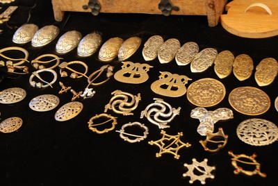 Smykker på middelaldermarkedet