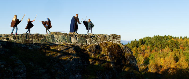 """""""Vill som en løve, mild som et lam!"""" var Kong Sverres eget slagord. Test kampferdighetene og bli en ekte Birkebeiner! (Foto/Photo)"""