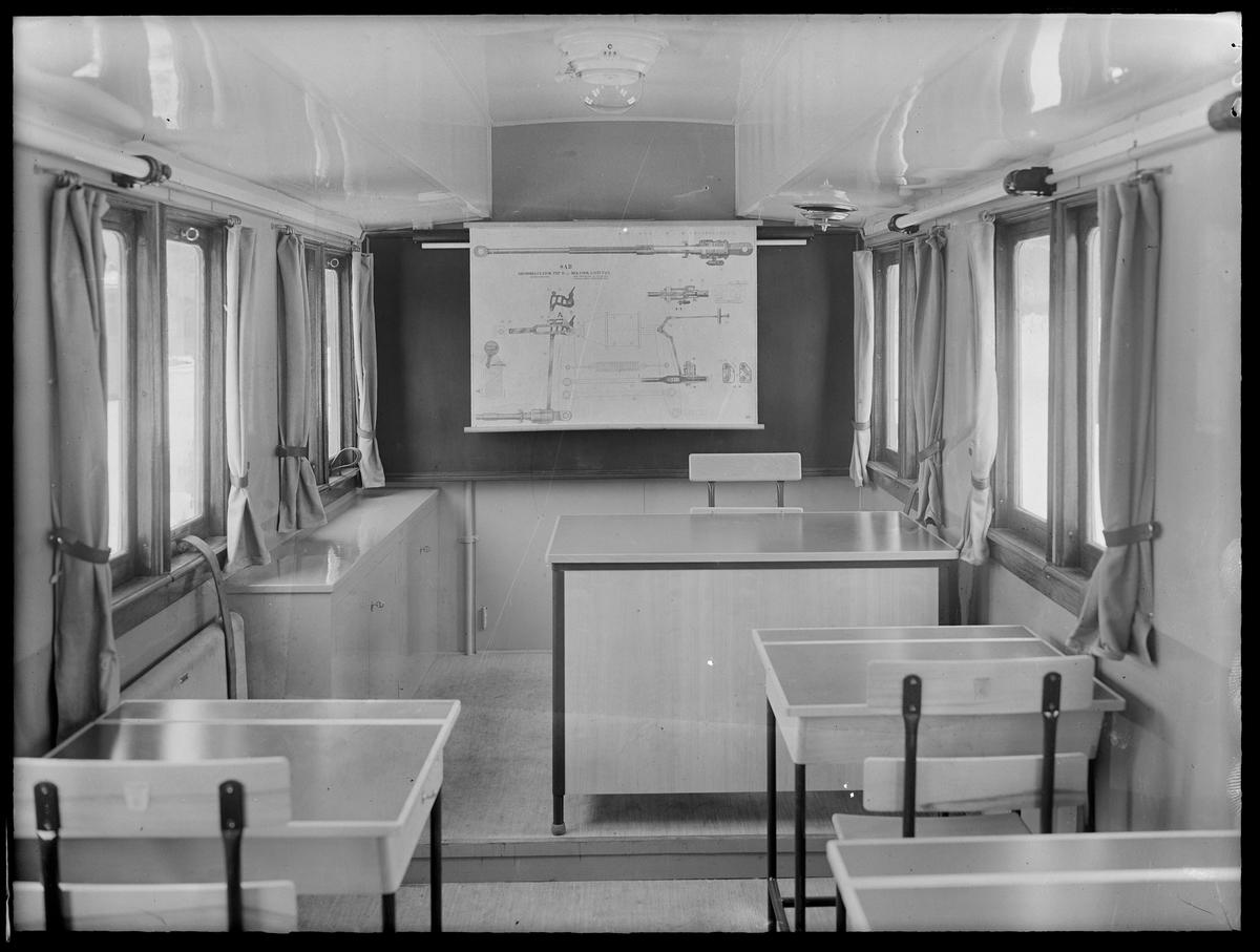 Stockholm - Roslagens Järnvägar, interiör av undervisningsvagn SRJ Bop 30.