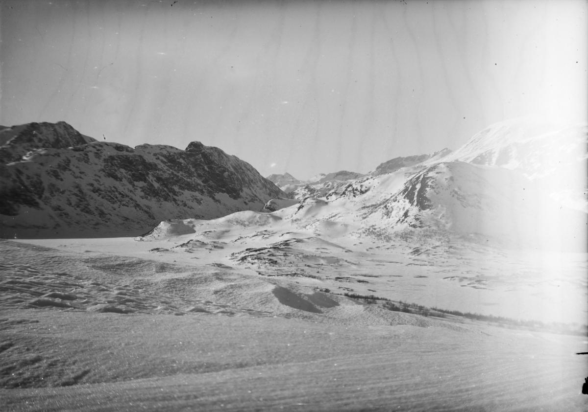 Fjellandskap ved Jotunheimen, vinter