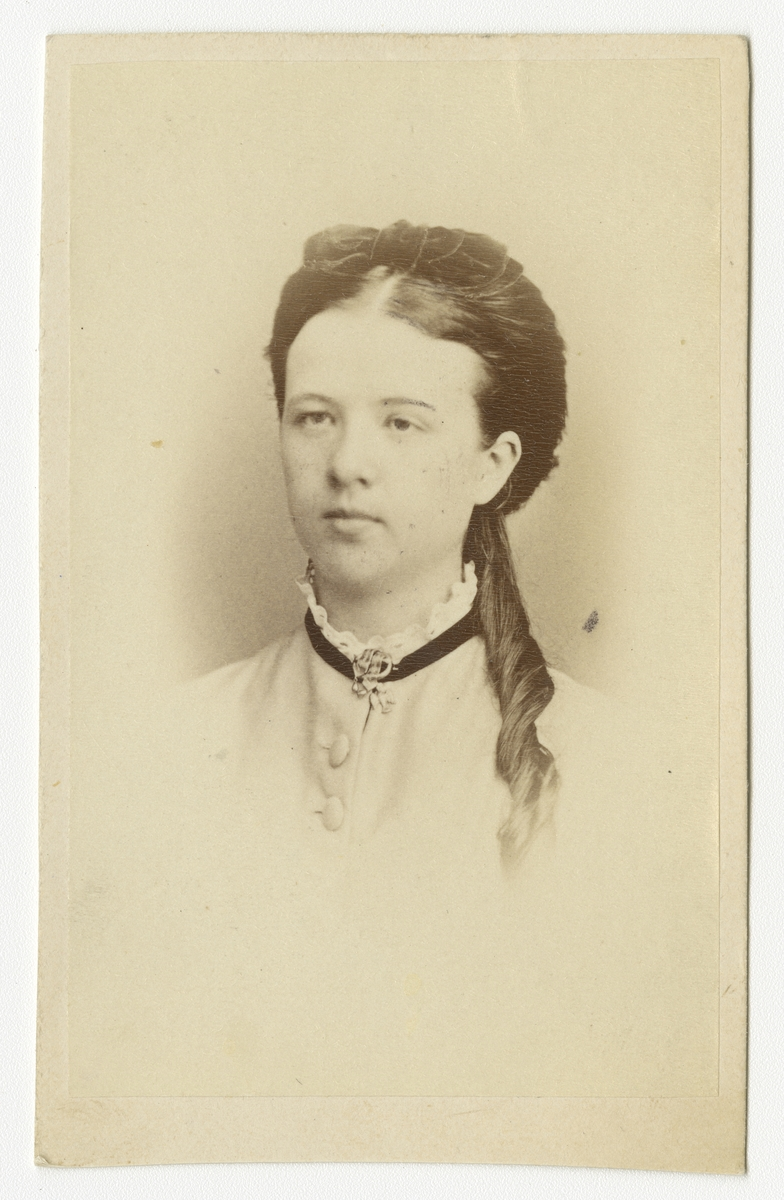 Porträtt av Bertha Windahl(?)