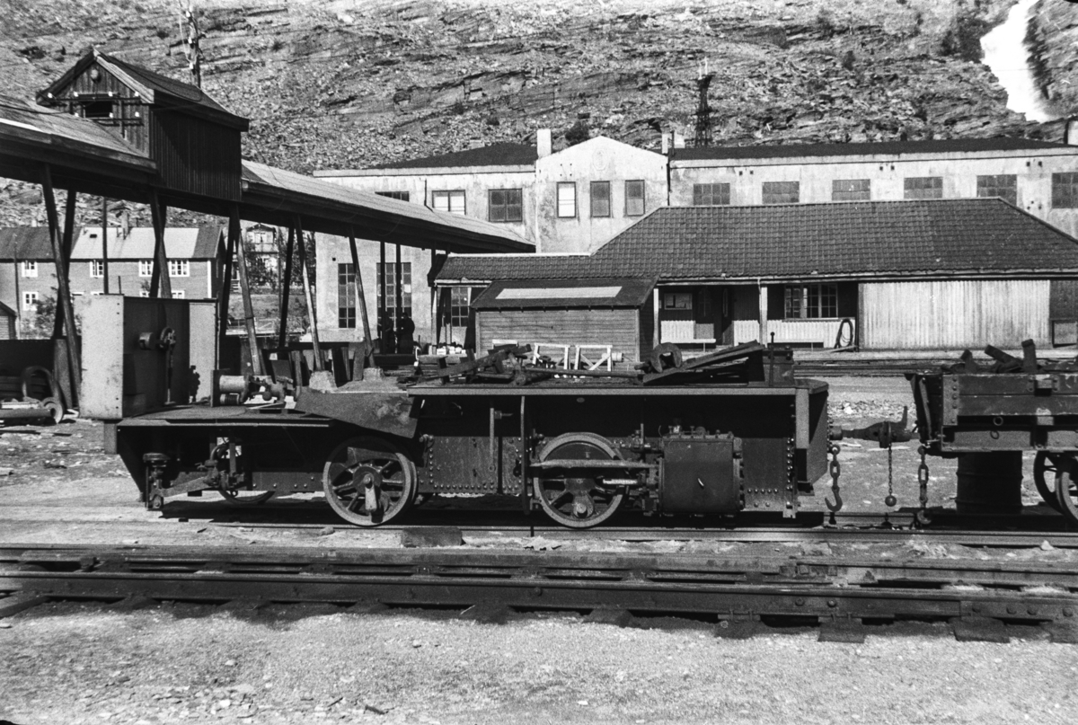 Rammen til Sulitjelmabanens utrangerte damplokomotiv TYR .