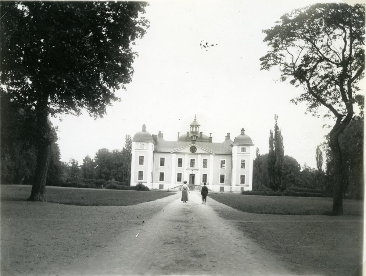 Kolbäck sn, Strömsholms slott. Slottet och del av slottsparken.