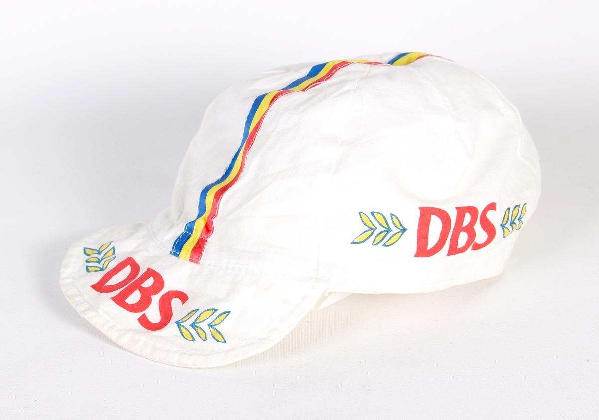 Caps med DBS logo.