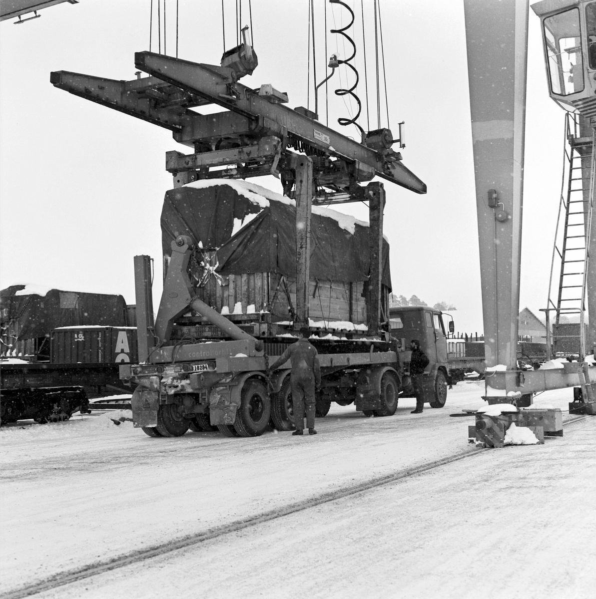 Trähus-transport. Byggplats Solna - Vallentuna