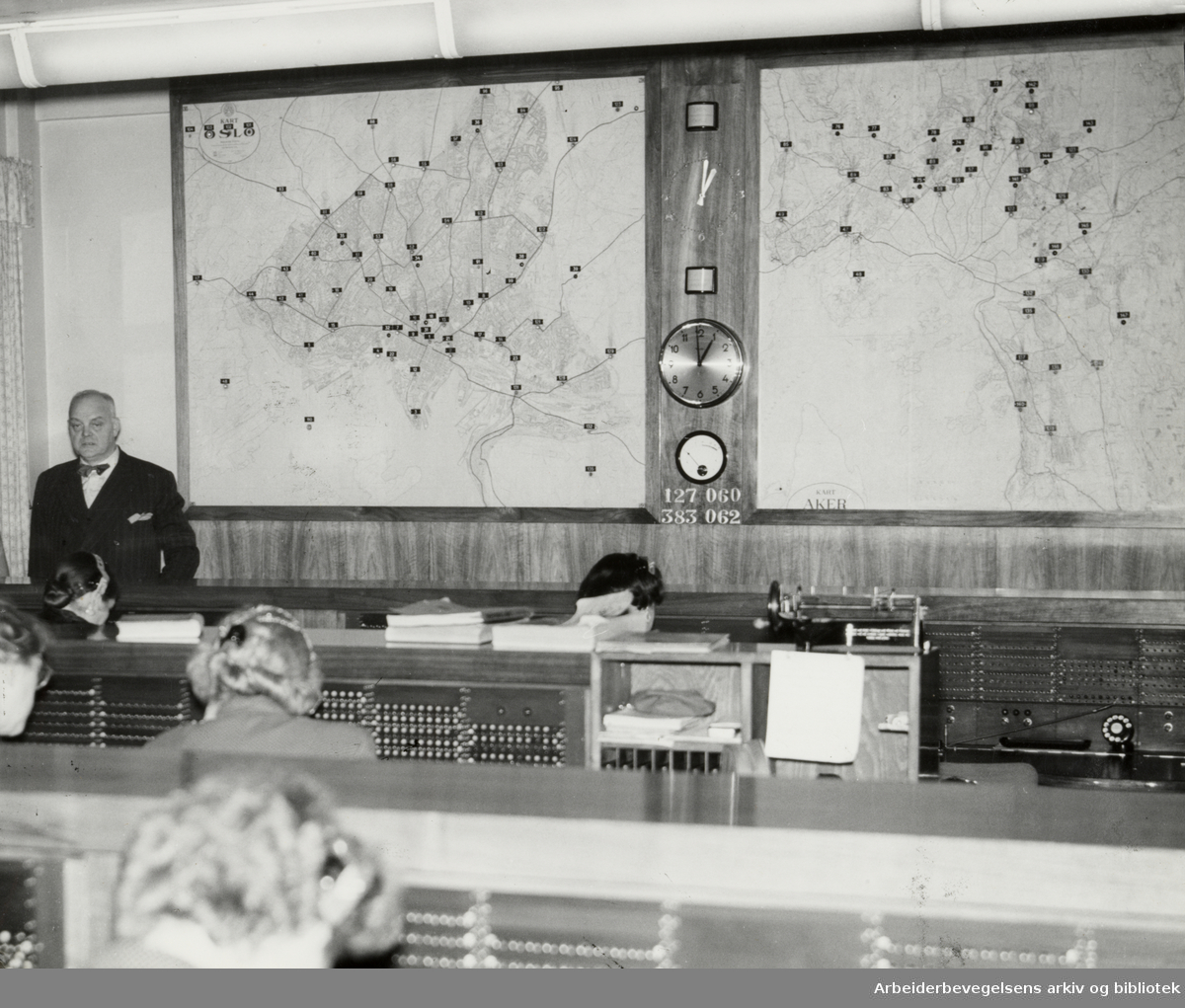 Drosjebilsentralen. Januar 1955