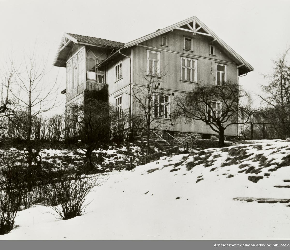 Ekely. Munchs bolig ble revet i mai 1960. Tid ukjent.