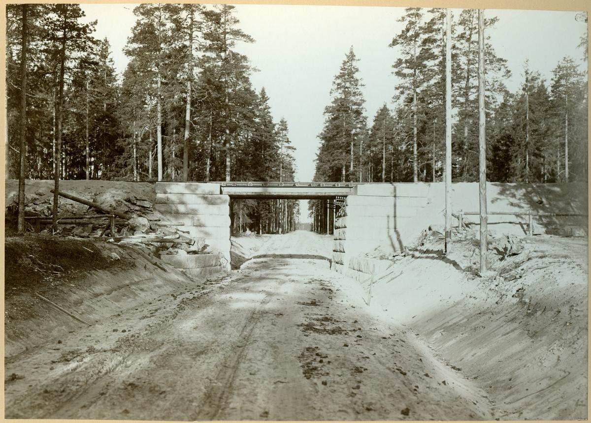 Vägporten på Bäckegruvspåret, Riddarhyttan.