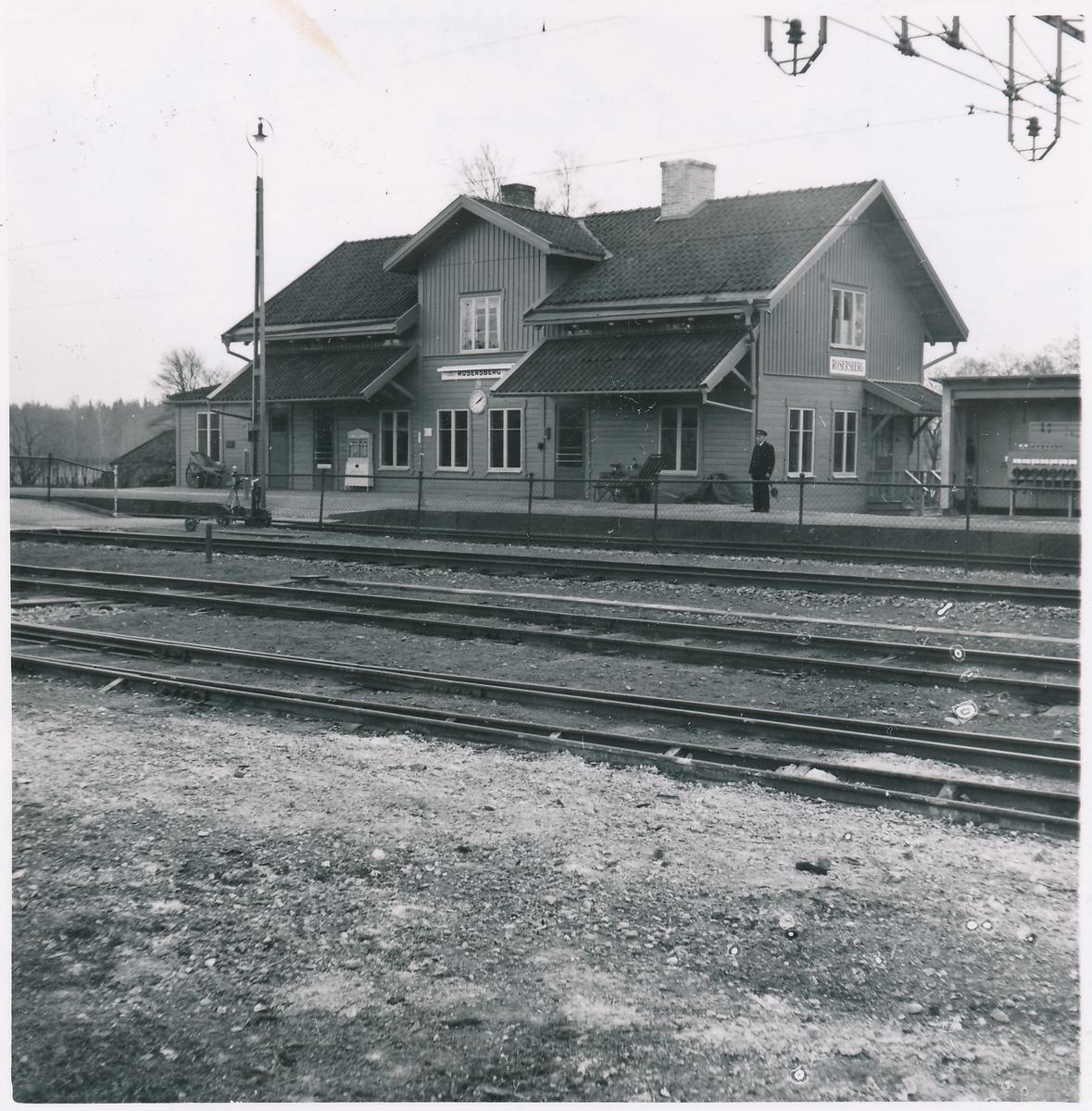 Statens Järnvägar, SJ. Rosersbergs station.
