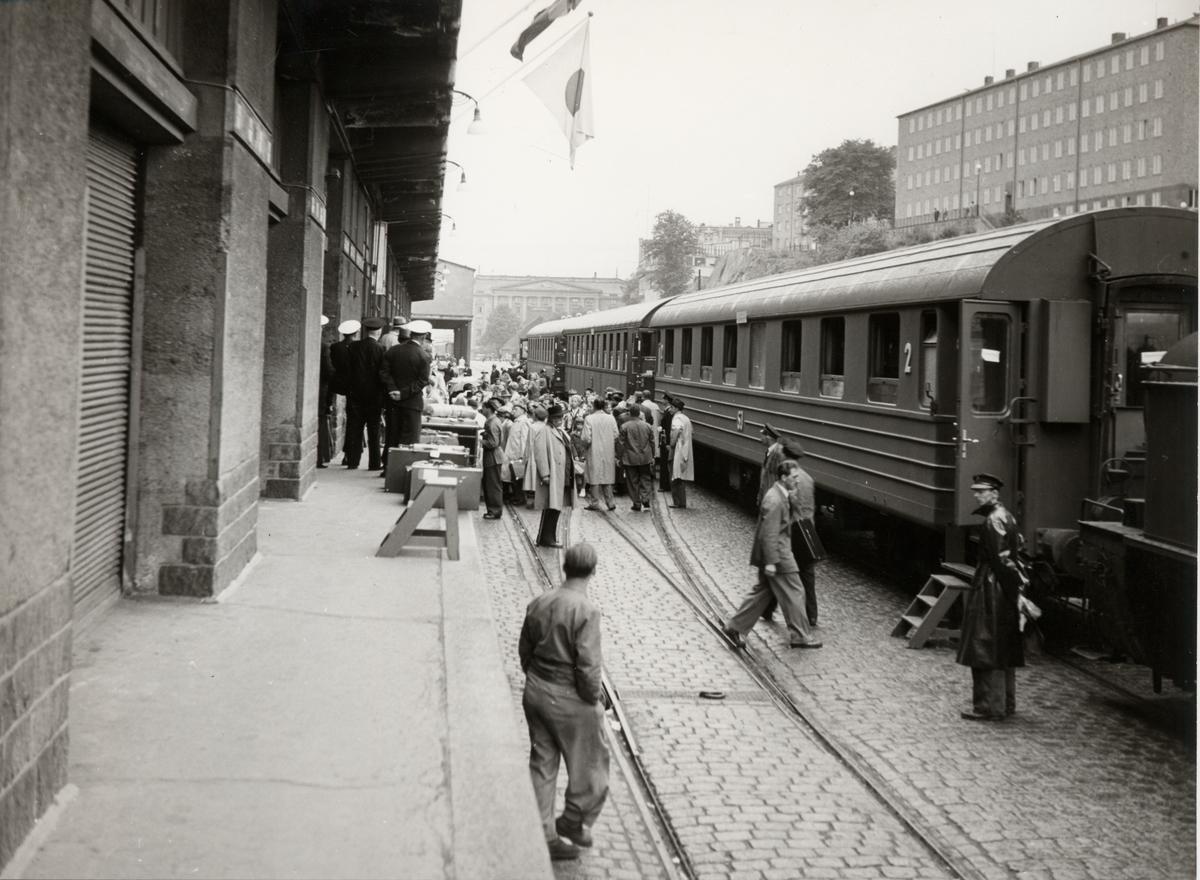 Tågtrafik från Stockholm för resande med Svenska Amerika Linien (S.A.L.).