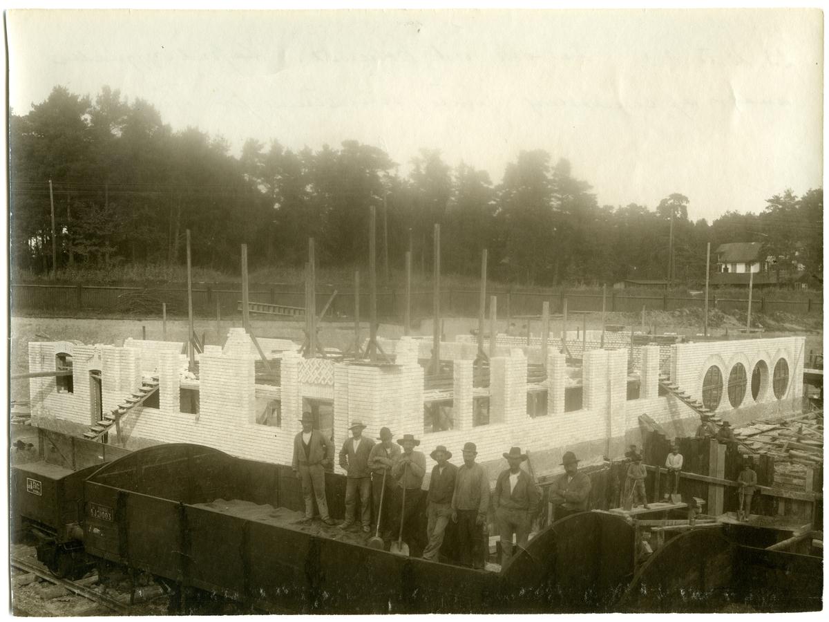 Bygge av gasverk vid Frösunda. SJ kom här att ha egen gastillverkning för belysning i vagnarna. Statens Järnvägar, SJ I, SJ I 21003