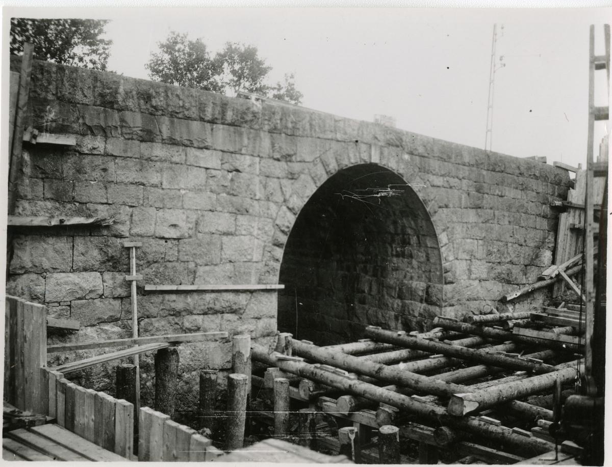 Förberedelse för dubbelspår linjen Järna-Katrineholm. Kulvert vid Långbroån.