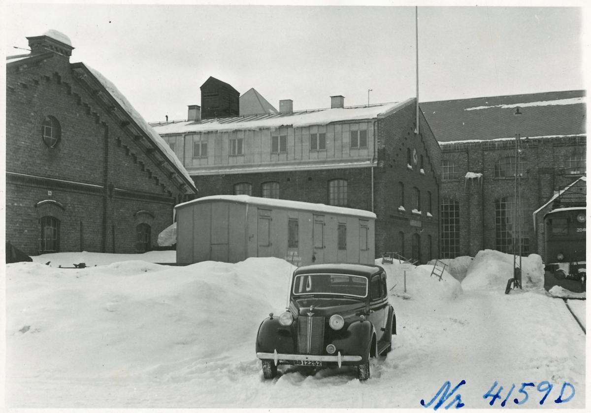 Lokverkstaden med ett troligtvis norskt Ellok i Kiruna.