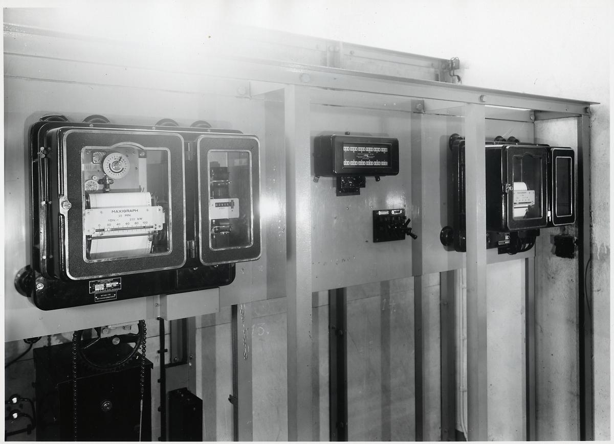 Maxigrapher och kWh-mätare. Omformarstation.