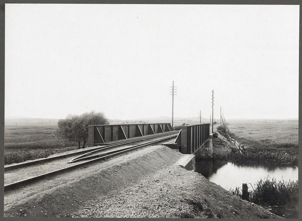 Järnvägsbro över Himleån på linjen mellan Varberg och Tofta.