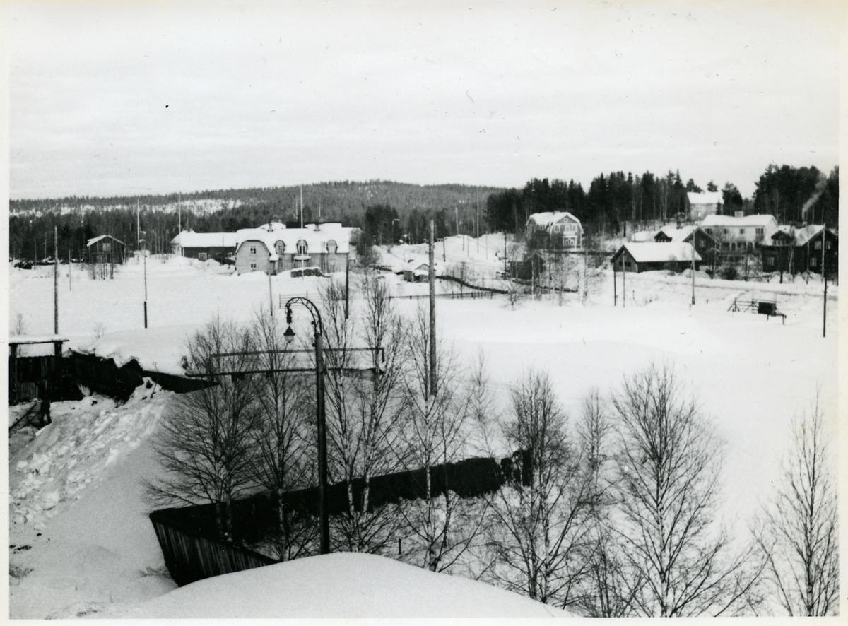Kolgård vintertid sedd från höjd.