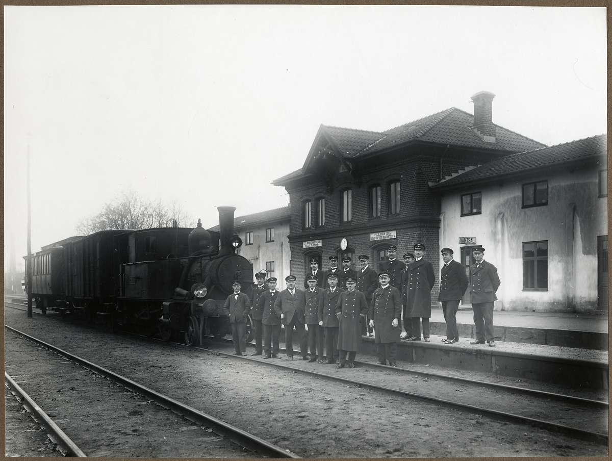 Sista tåget på Hörby station.