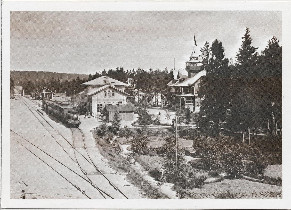 "GDJ 28 ""Mora"", vid Rättvik station."
