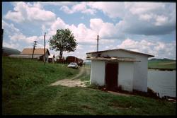 Samhälle på sträckan mellan Văleni och Șăulia.