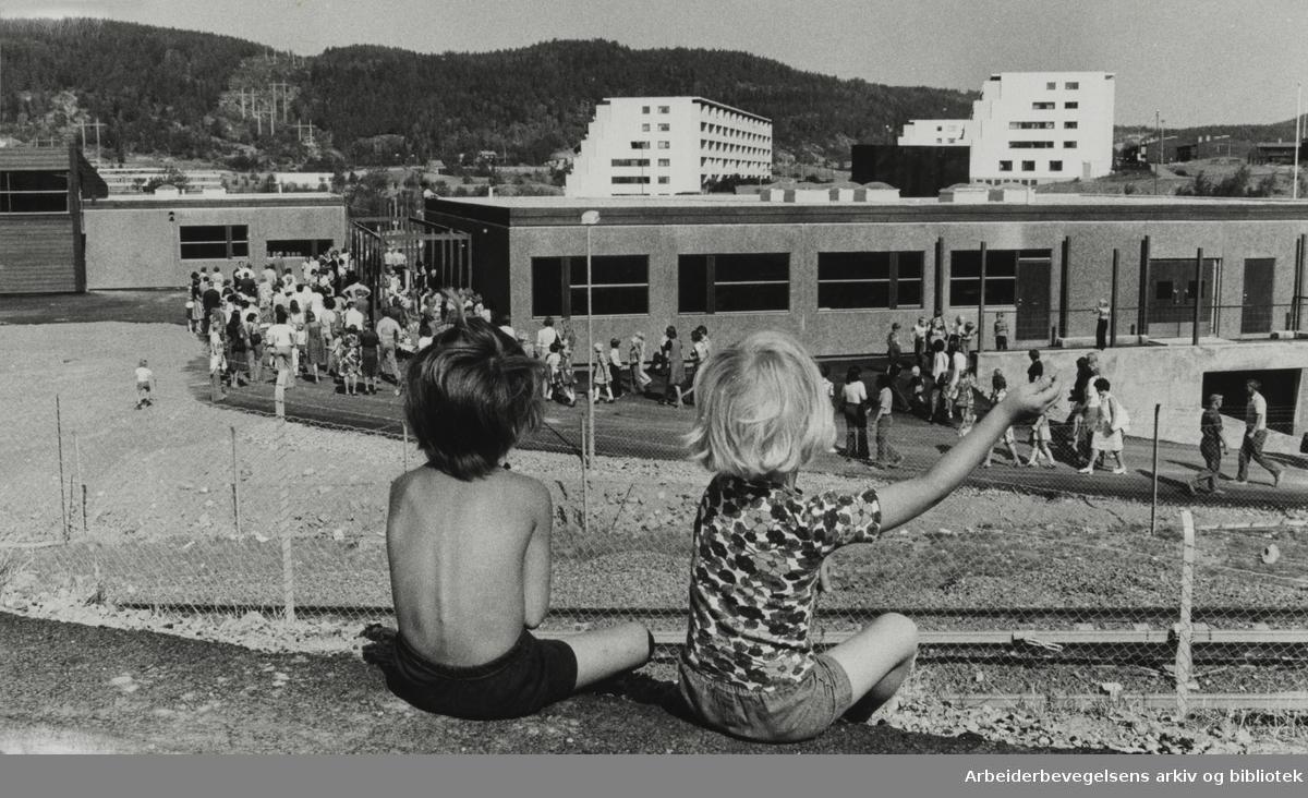 Fossum skole og daghjem. Fra åpningsseremonien. 18. august 1976
