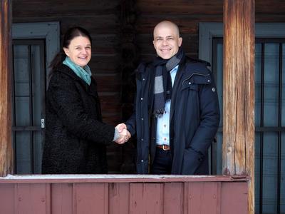 AVTALE INNGÅTT. Høgskolen i Østfold og Østfoldmuseene ser muligheter for samarbeid på flere fagområder.