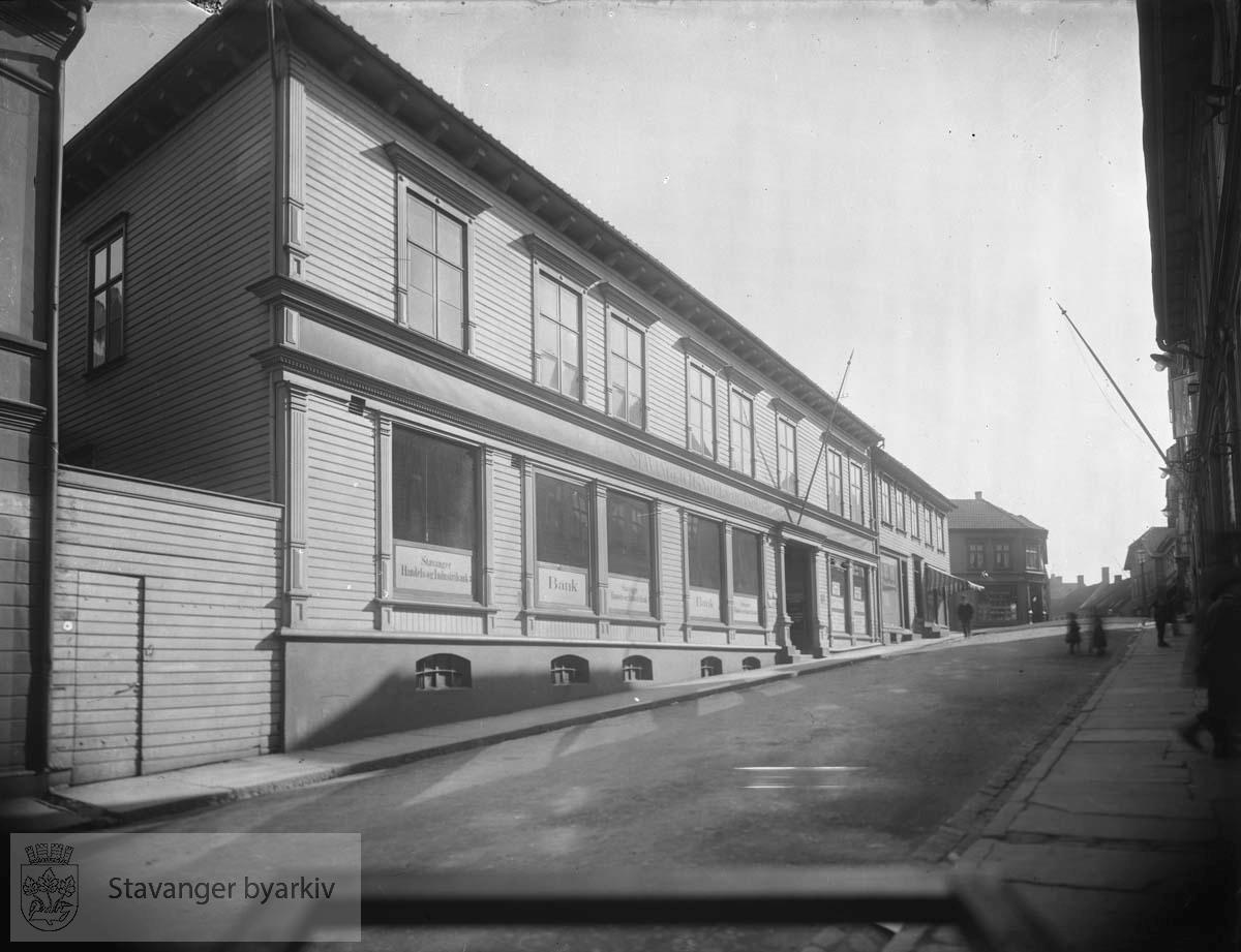 Stavanger Handels- og Industribank, Kirkegata 35 fra nord.