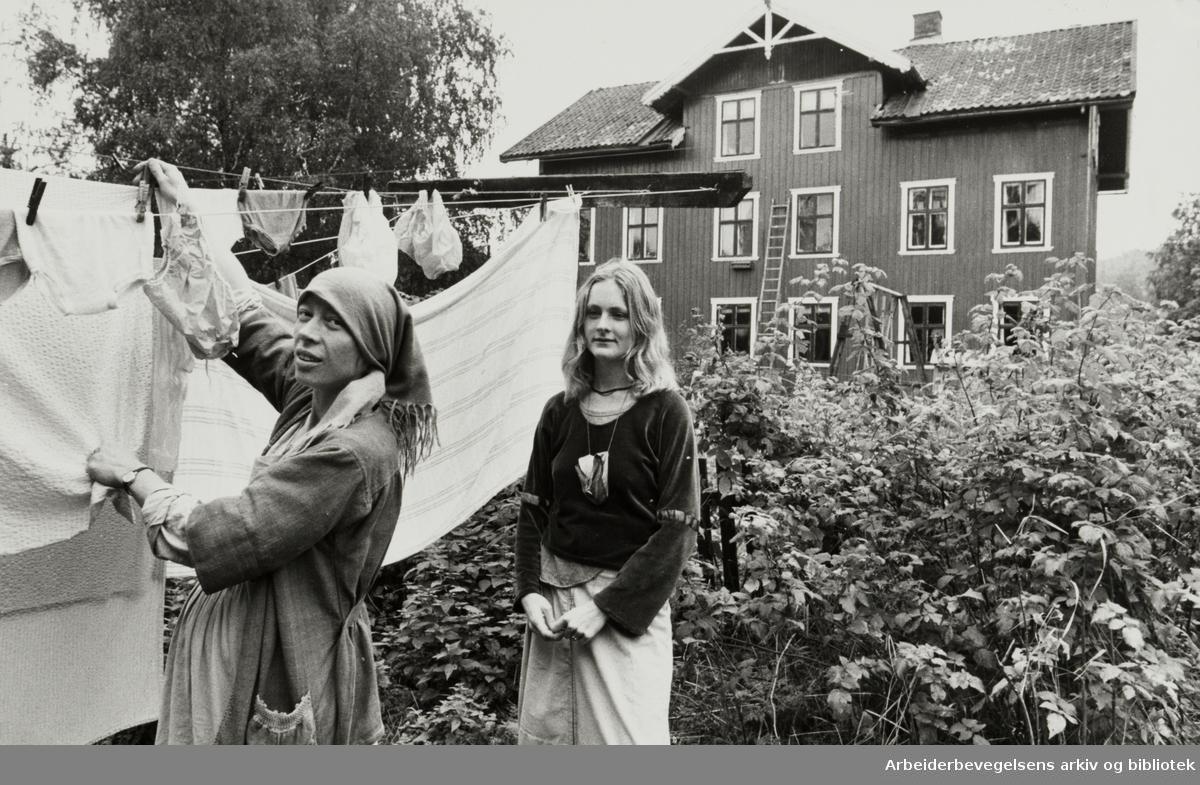 Frysja. Kari Nilsen og Bitte Delin er bekymret for at bomiljøet skal forsvinne. September 1979