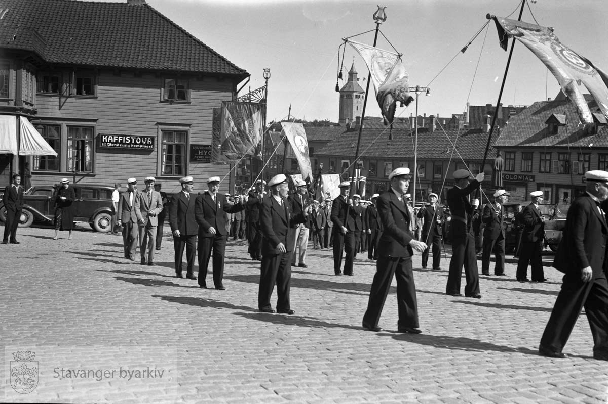 Fra sangerstevnet i Stavanger..Kaffistova, Torvets kolonial og Valbergtårnet i bakgrunnen.