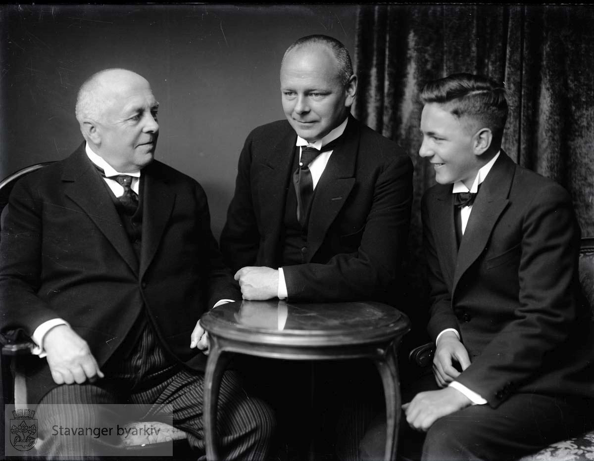 Sigval Bergesen (1863-1956), Ole Bergesen (1891-1951), Sigval Bergesen O.S. (1914-1965) Alle tre var skipsredere.