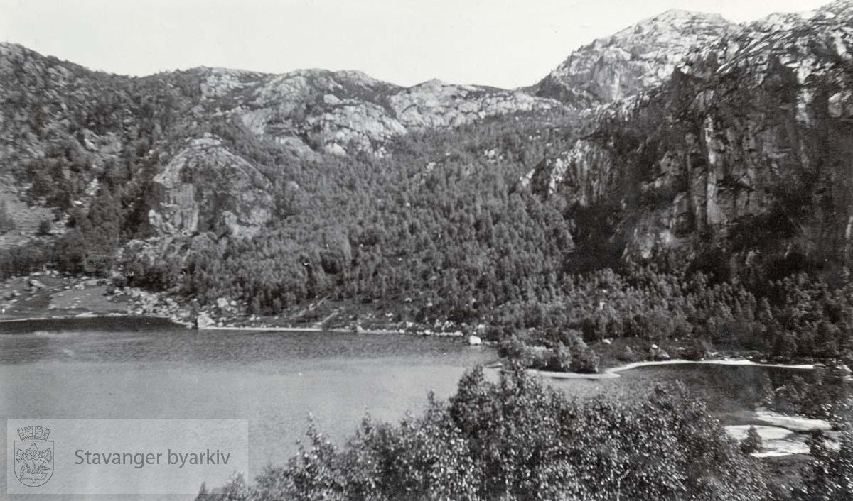 Hammeknuben, Kalvhagen og Bronebarfjellet i Sandstøl.