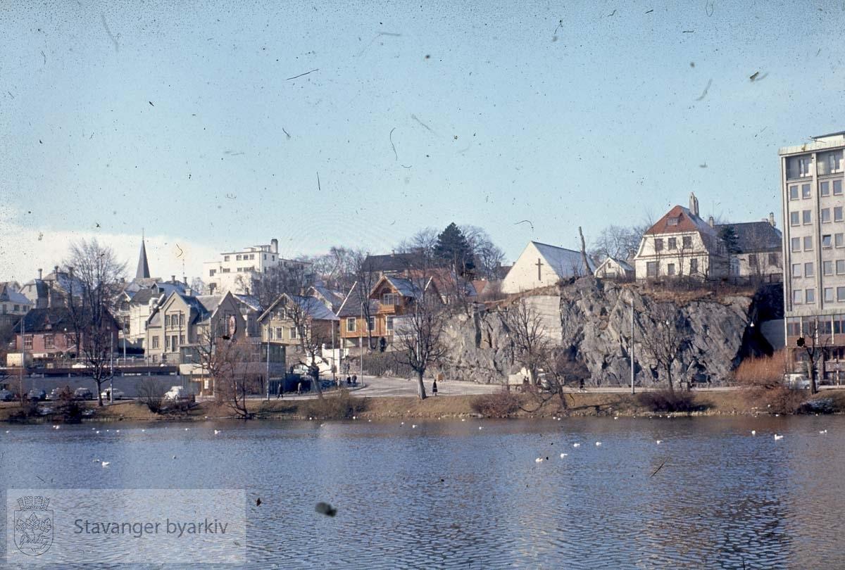 Mot Tivolifjellet og Olav Vs gate