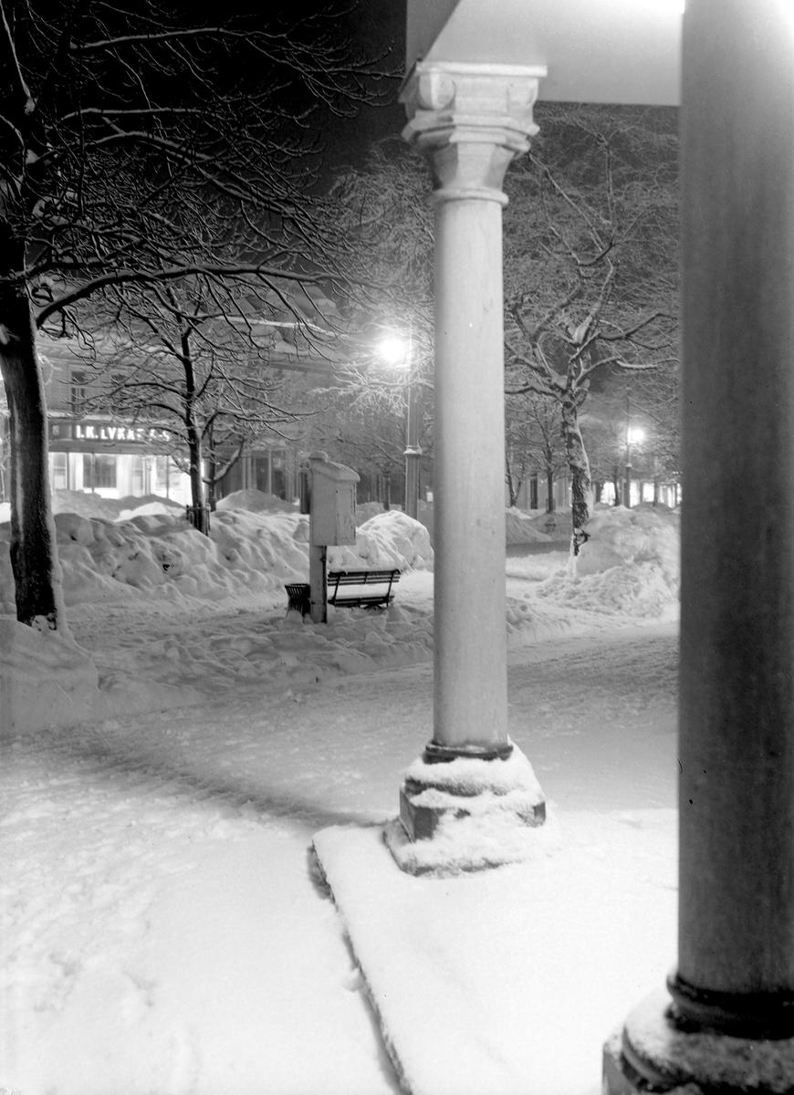 Vinterbilde fra krysset Munkegata og Dronningens gate