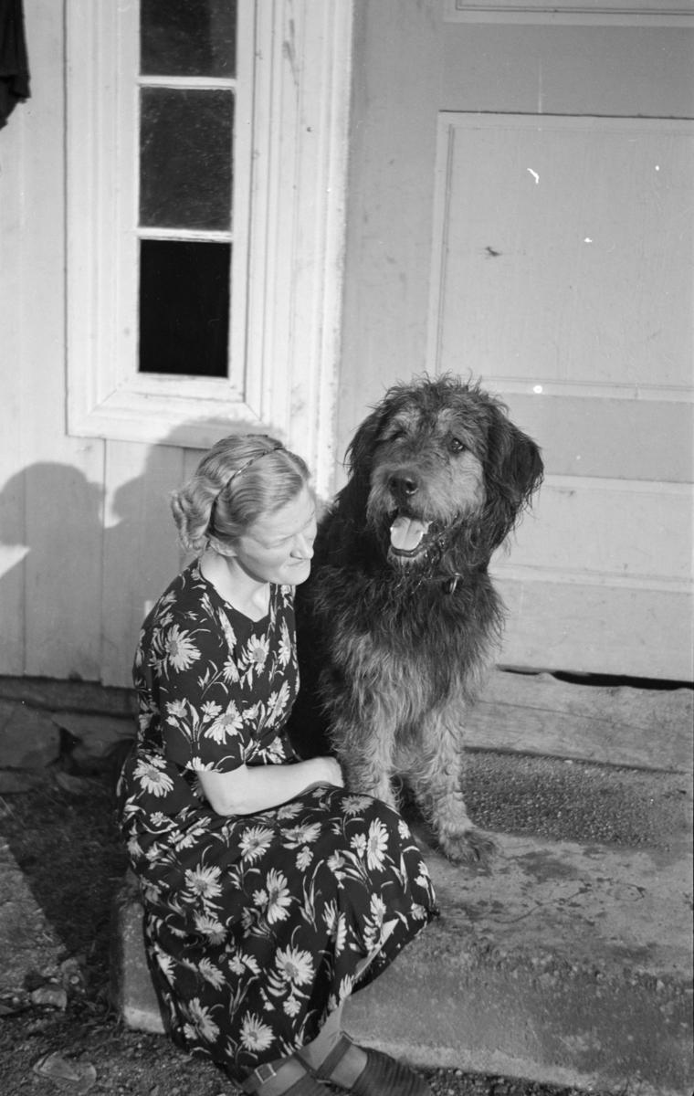 Hjørdis Wold og hunden Max