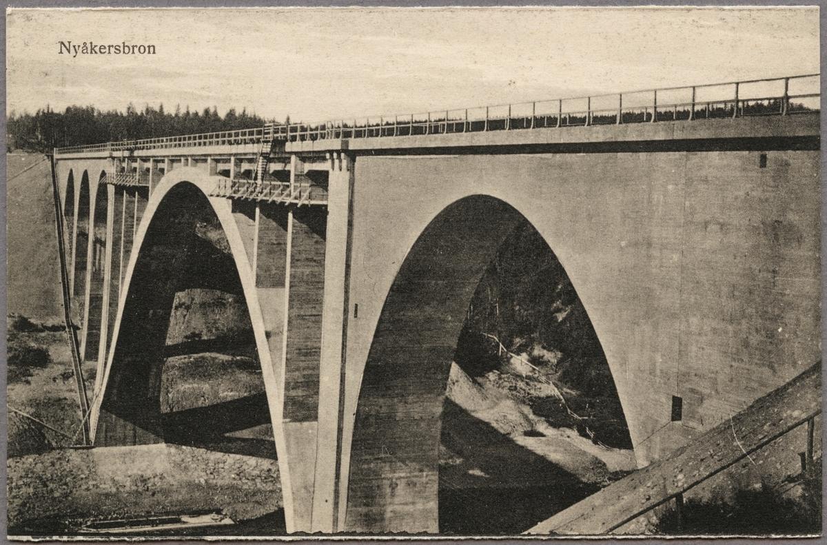 Nyåkersbron längs norra stambanan över Öreälv, på linjen mellan Nyåkers station och Tallbergslidens hållplats.