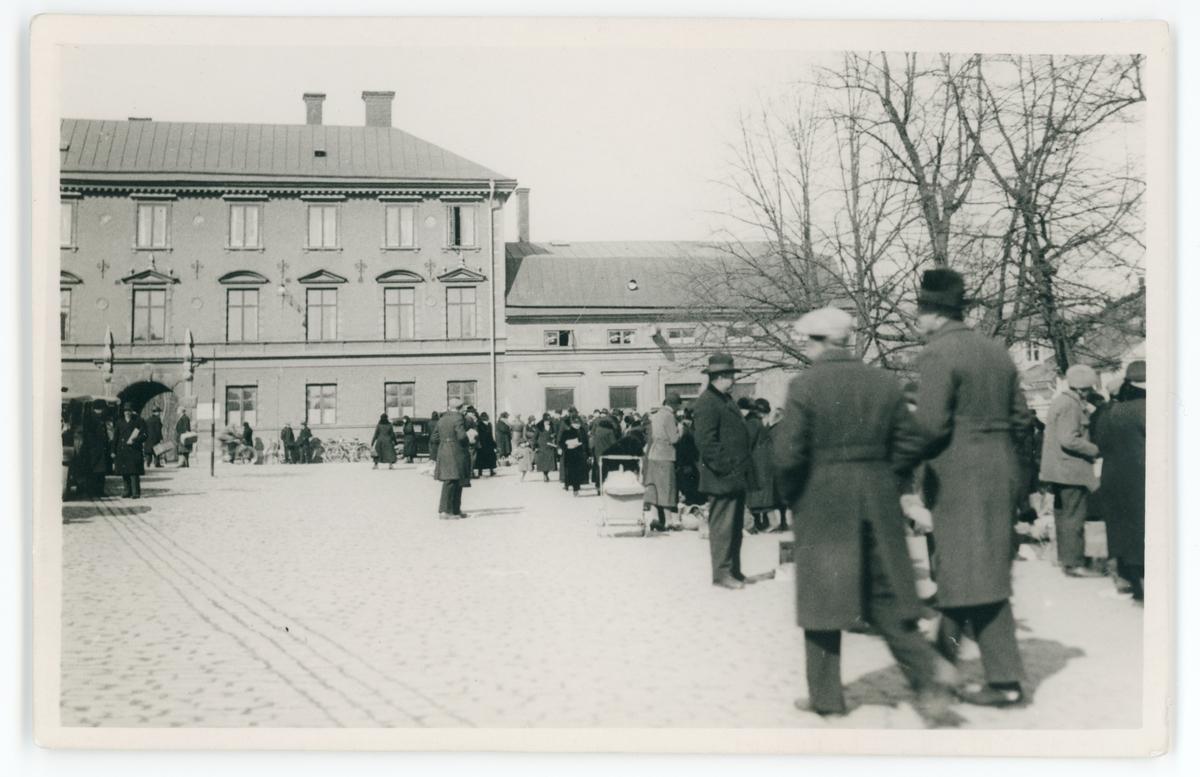 Vykort - Torghandel på Fyristorg, Uppsala 1930-1940-tal