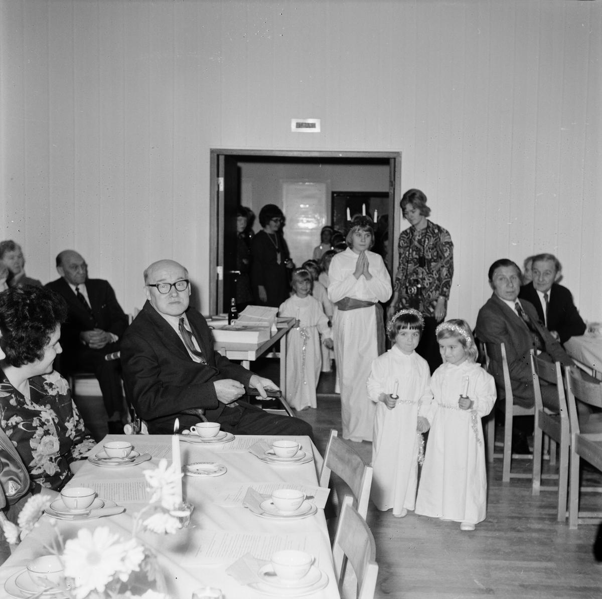 Frälsningsarméns luciafirande, Tierp, Uppland, december 1971