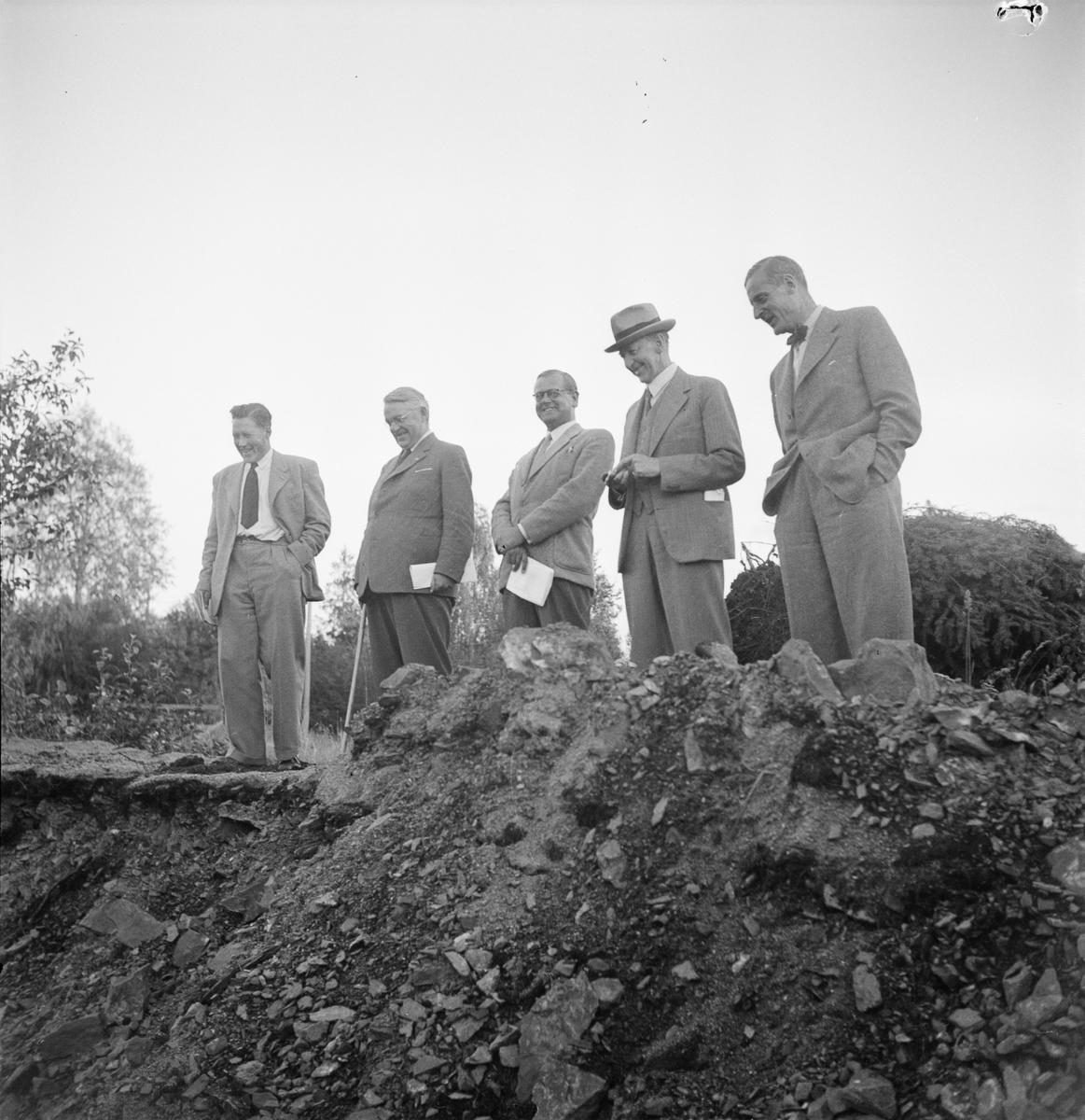 Vägförvaltningen, några män, Uppland 1948