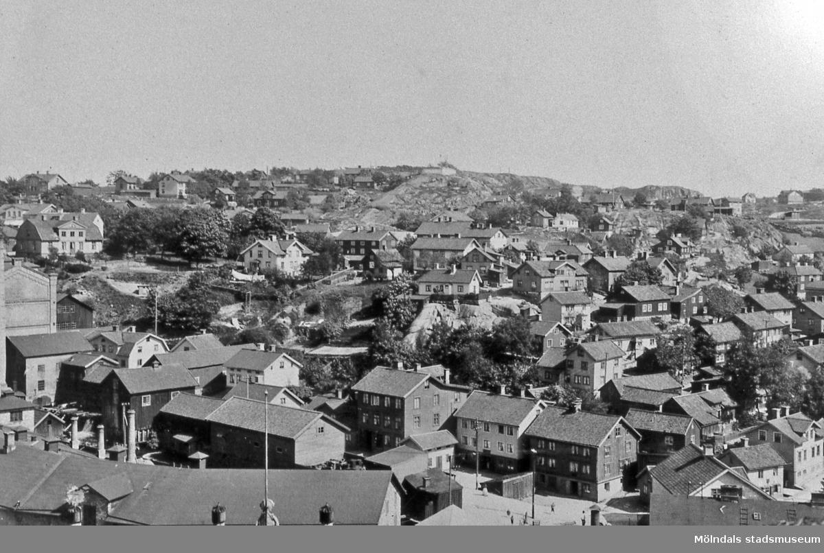 Vy över bebyggelse i Mölndals Kvarnby, år 1910.