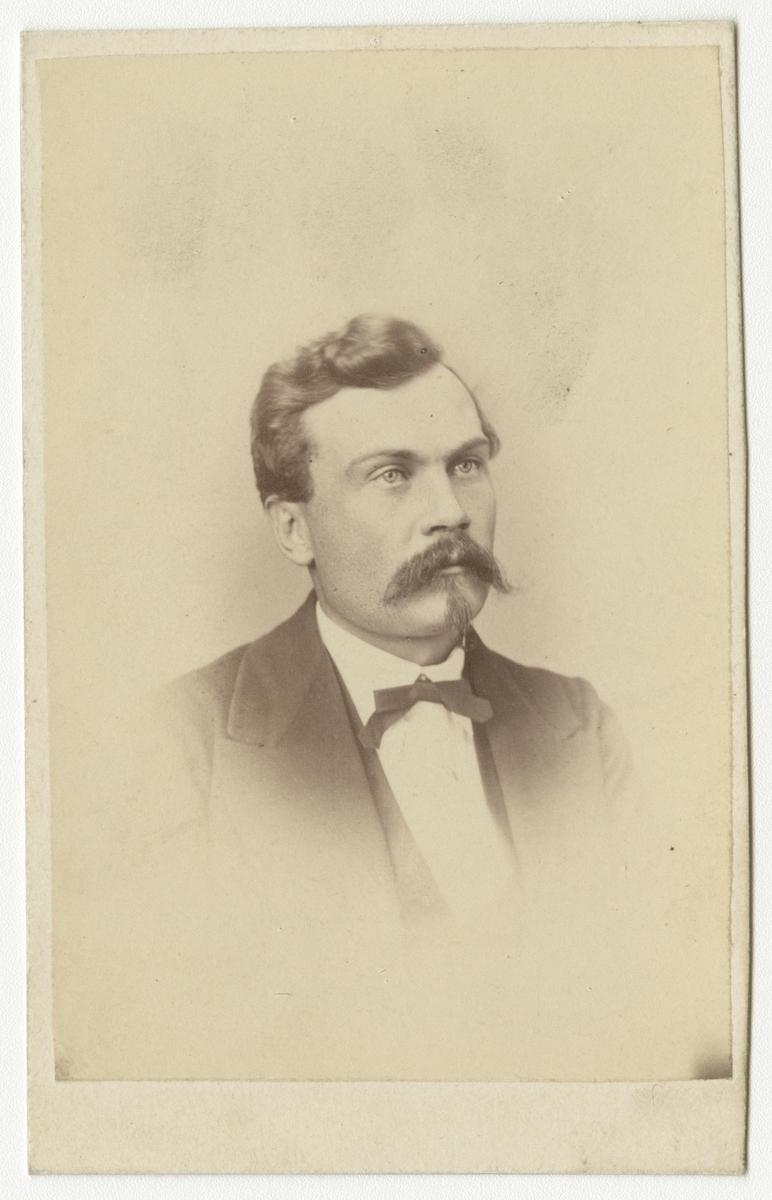 Porträtt av ingenjör Theodor Tallqvist, Finland.
