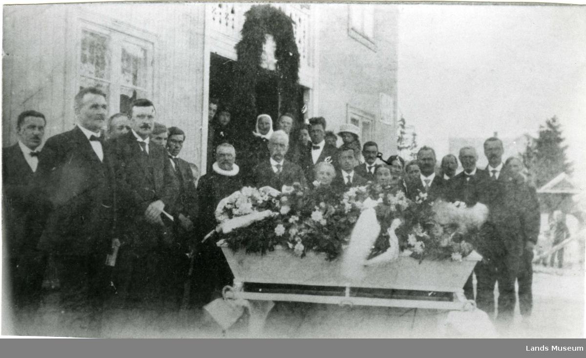 Begravelse, Dokka
