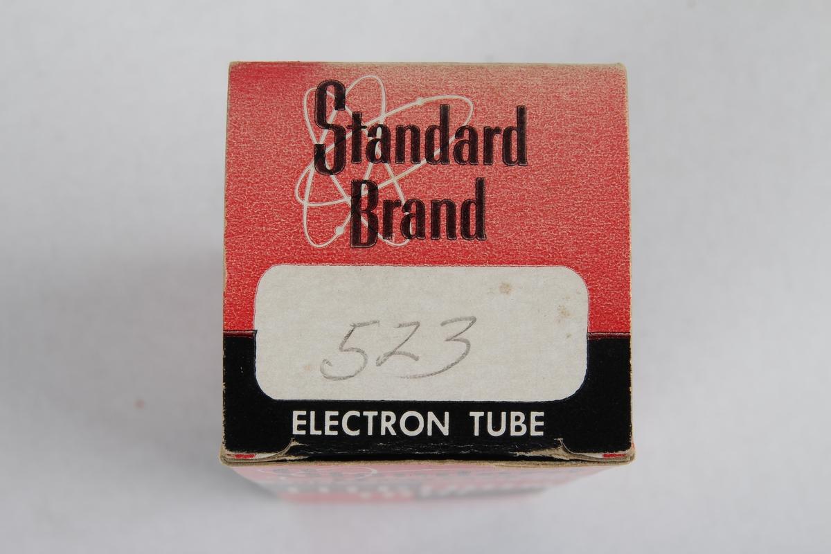 Radiorør i origianlemballasje.