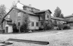 En svit bilder från den gamla bebyggelsen på Åkroken före ri